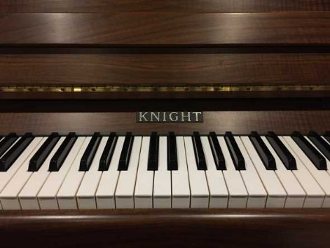 Unser Knight-Piano